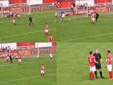 The referee scored a goal for Hoek in Holland. Capturas/HarkemaseBoys