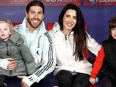 Sergio Ramos recibió a su familia en el Metropolitano. Twitter/SergioRamos