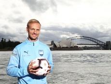 El centrocampista llega al fútbol australiano. Twitter/SydneyFC