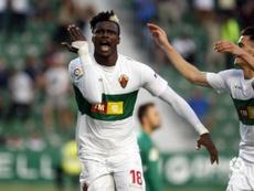 Sory anotó los dos goles del Elche. AFP