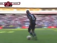 Thabo Qalinge realizó varios regates sin rivales. Captura/ESPN