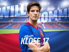 Timm Klose, cedido con opción de compra al Basilea. Twitter/FCBasel1893