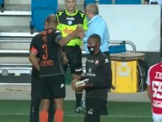Un jugador casi le pega a su entrenador. Captura/TelAviv