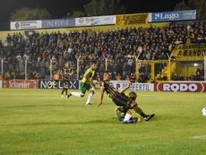 Olimpo goleó a Godoy Cruz con un golazo de vaselina de Coniglio. ClubOlimpo
