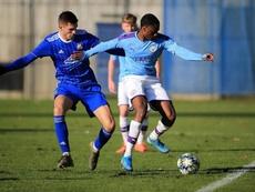 El Manchester City se quedó fuera en el duelo directo ante el Dinamo Zagreb. Twitter/ManCityAcademy