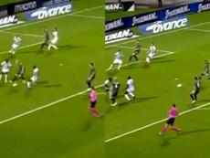 Van de Beek let the ball go to allow Ziyech to shoot. Capturas/AjaxTV