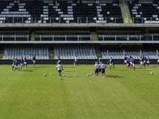 Santos e Palmeiras empataram pela 24ª rodada na Vila Belmiro. AFP