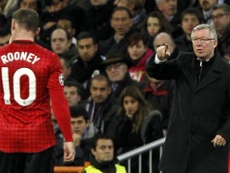 Wayne Rooney tacle Alex Ferguson. Twitter