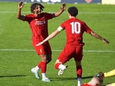 Larouci imitó a Salah en el 1-0 del Liverpool juvenil. Twitter/LFC
