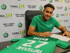 Yvann Maçon quitte l'USL Dunkerque et signe à l'AS Saint-Etienne. Twitter/@ASSE