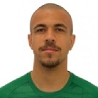 B. Soares