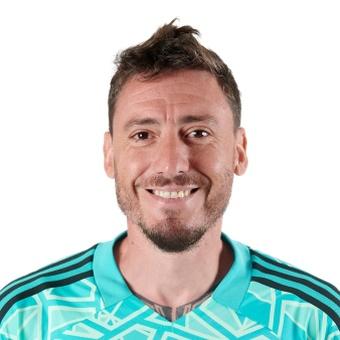 C. Álvarez