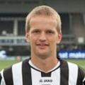 E. Nieuwboer