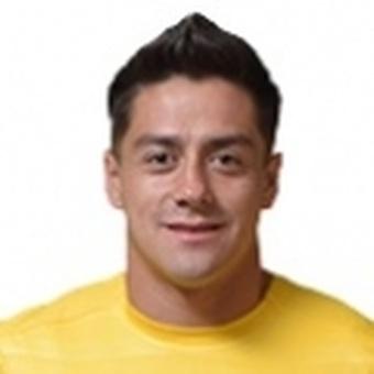 R. González