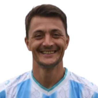 L. González