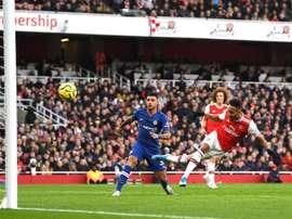Prováveis escalações de Arsenal e Chelsea. AFP