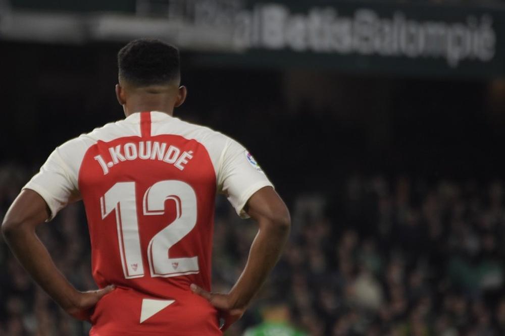 El Chelsea se acerca al fichaje de Koundé. BeSoccer