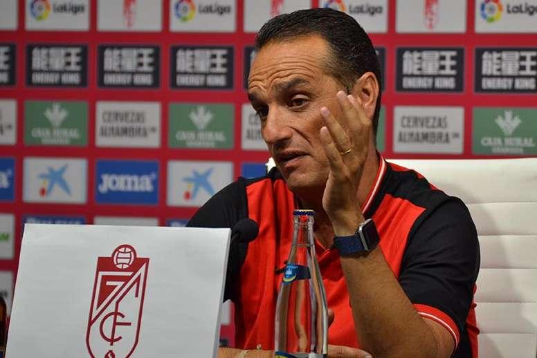 José Luis Oltra quiere la victoria sea como sea. BeSoccer