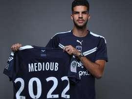 Abdel Medioub signe à Bordeaux. Twitter/Girondins