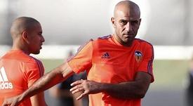Abdennour, entrenando con el Valencia. Twitter