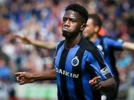 Abdoulay Diaby celebra un tanto con el Brujas en un choque de la Liga Belga. AFP