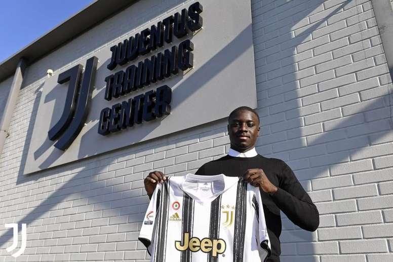 Dabo llega cedido con opción de compra. Twitter/JuventusFCYouth