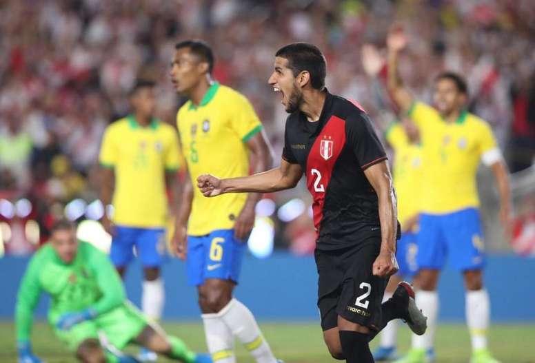 Sem brilho e sem renovação o Brasil é derrotado pelo Peru. Twitter @SeleccionPeru
