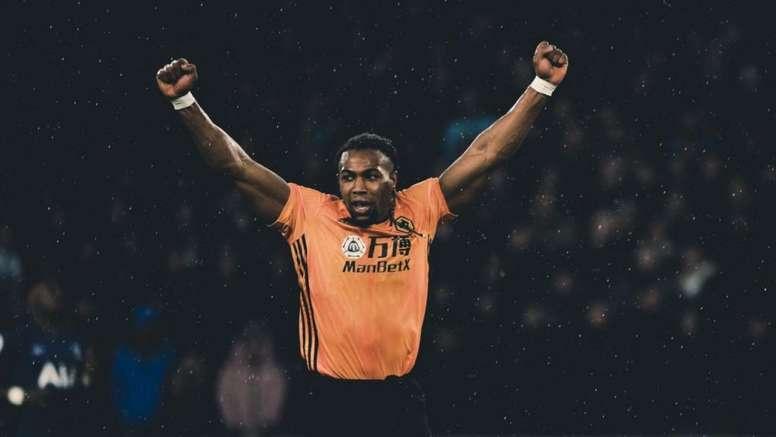 Adama Traoré, elogiado por Mourinho. Twitter/WolvesEspanol
