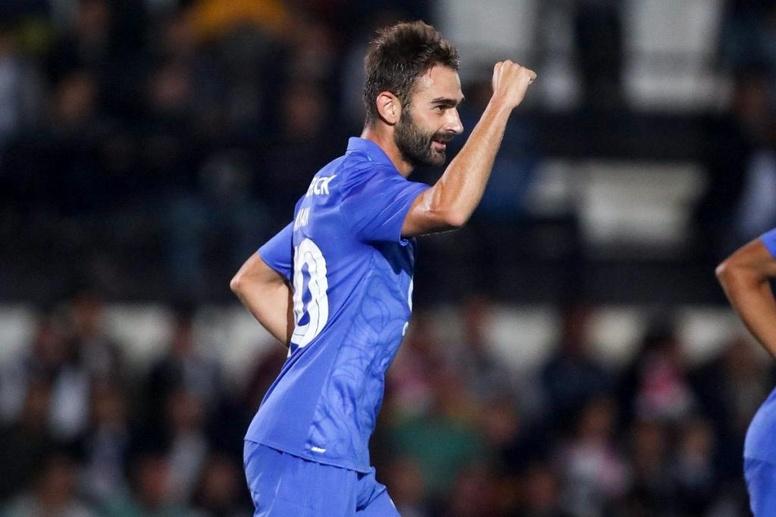 Betis y Fiorentina pujan por el fichaje de Adrián López. Twitter/FCPorto