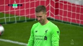 Adrián regaló el gol al Southampton. Captura/DAZN