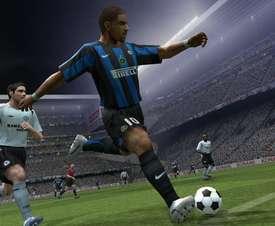 Nunca nadie ha podido igualar la potencia de Adriano en el PES 6. Konami