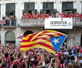 Des supporters de Gérone, célébrant l'accès de leur club en Première Division. EFE