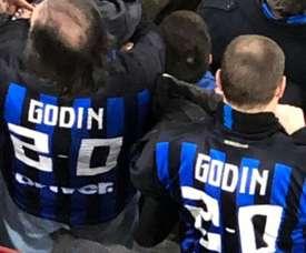 Les supporteurs de l'Inter se sont rappelés du but de Godín et de la Juventus. Twitter/aaguila_espn