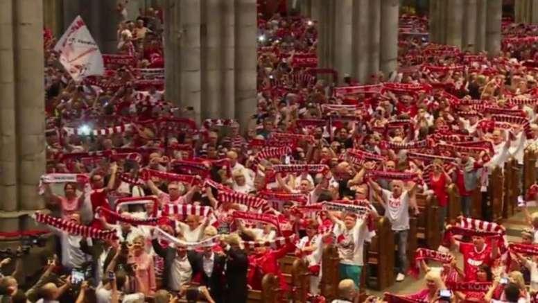 Los devotos del Köln. Captura/Sportschau