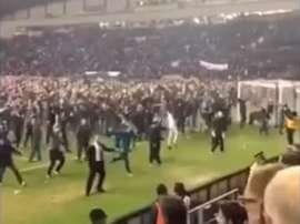 La afición del equipo de la League One saltó al campo tras la eliminación del City. Youtube