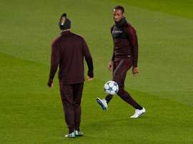 AS Romas Seydou Keita (R) believes his side can upset 10-time record champions, Real Madrid, in their last 16 first leg clash