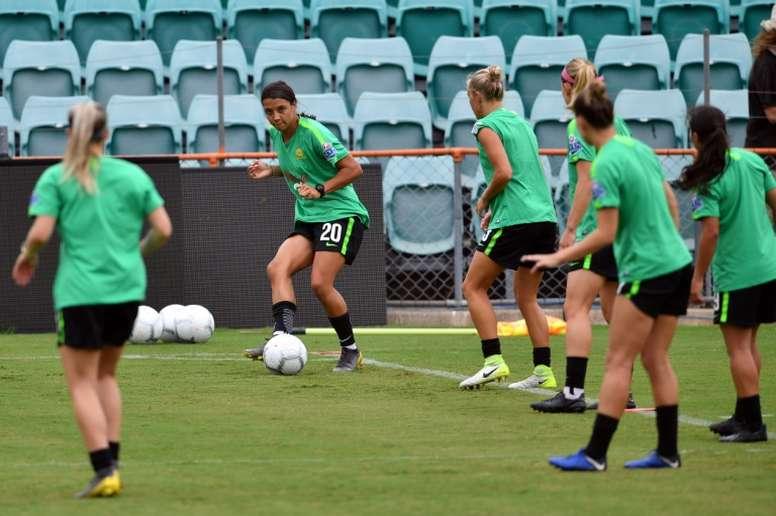 Aussie striker Kerr eager for European challenge