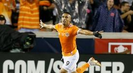Manotas decanta el duelo tejano y Philadelphia golea a New England. AFP