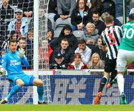 Matt Phillips marcó el único tanto del encuentro. AFP