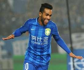 Hasta la llegada de Hulk, Alex Teixeira era la gran estrella del fútbol chino. AFP