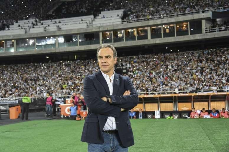 Martín Lasarte ha sido cesado como entrenador del Al-Ahly. AFP/Archivo