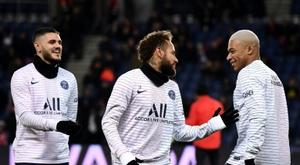 Cinco substituições permanecerão no Campeonato Francês. AFP