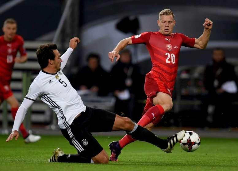 Matej Vydra espera mantener un futuro ligado a la Premier League. EFE