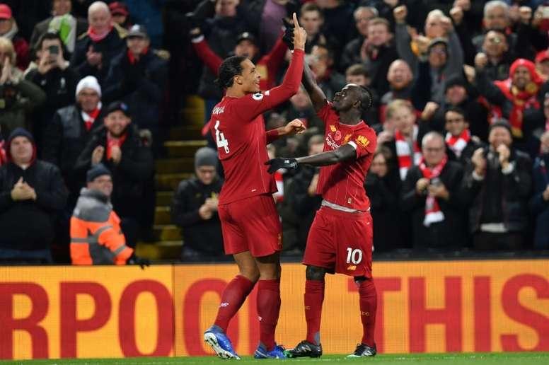 Anfield se rende ao talento de Mané. AFP