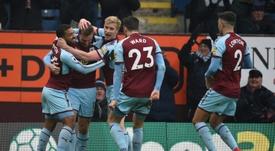Burnley goleia West Ham e os adeptos vieram pedir justificações. EFE