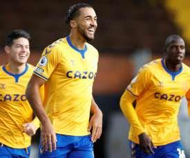 Dominic Calvert-Lewin (C) got a double in Everton's 2-3 win at Fulham. AFP