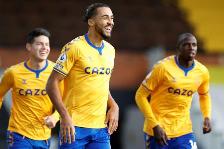 El Everton recupera la sonrisa en Craven Cottage. AFP