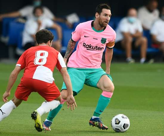 Messi scores twice as Barcelona win friendly