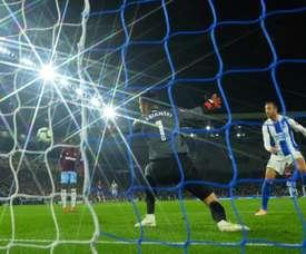 El Brighton se mide al Crystal Palace, y el WEst Ham recibe al Cardiff. AFP/Archivo