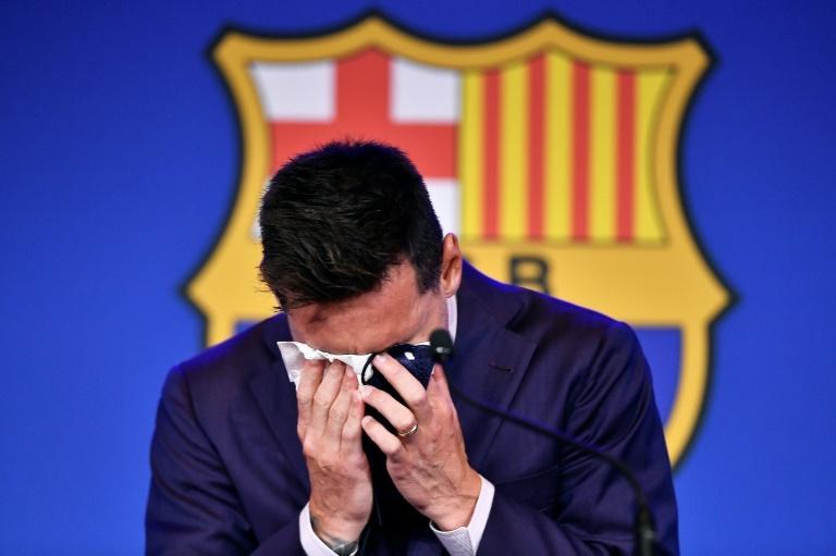 Messi chora em despedida de Leo Messi
